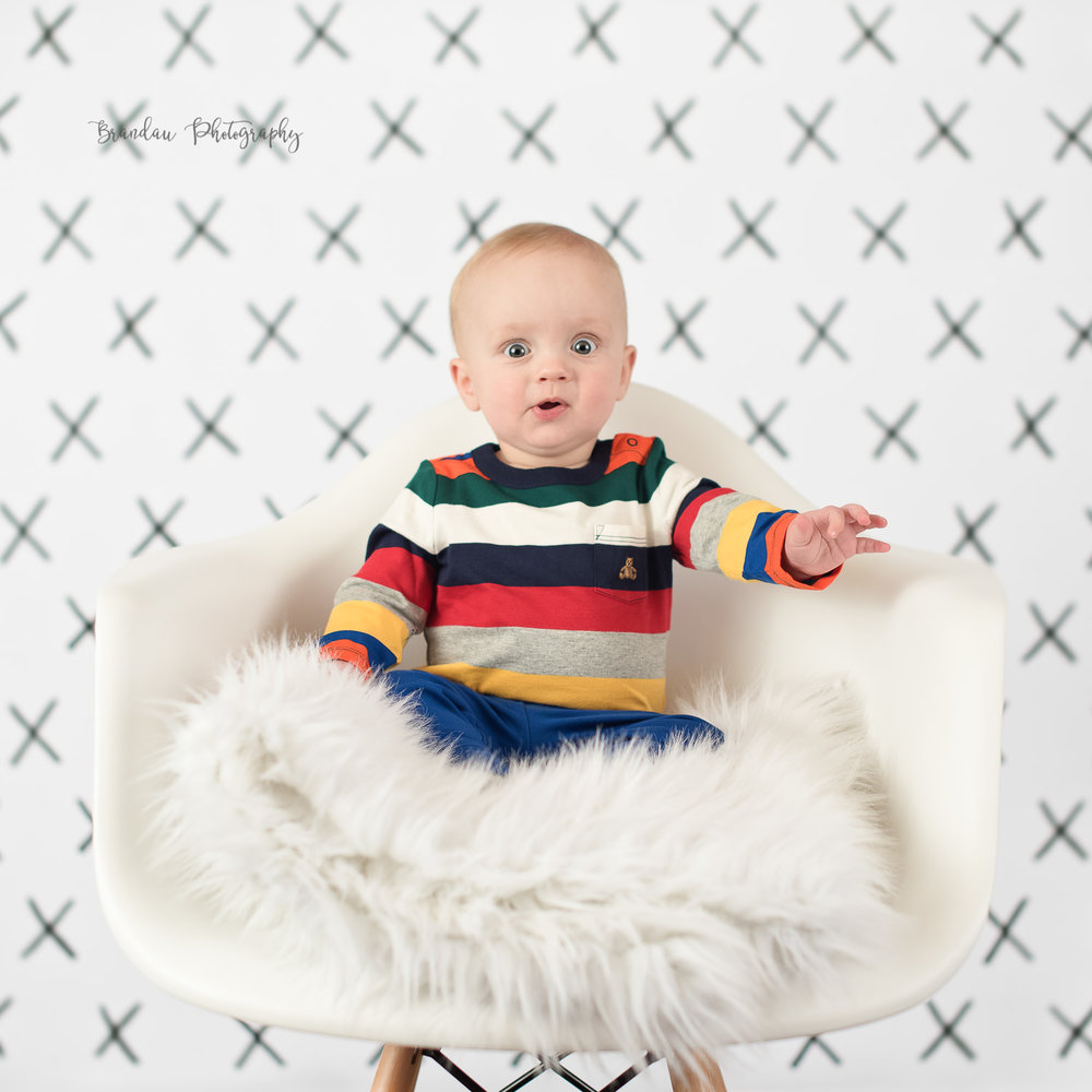 6 month boy surprised_Brandau Photography.jpg