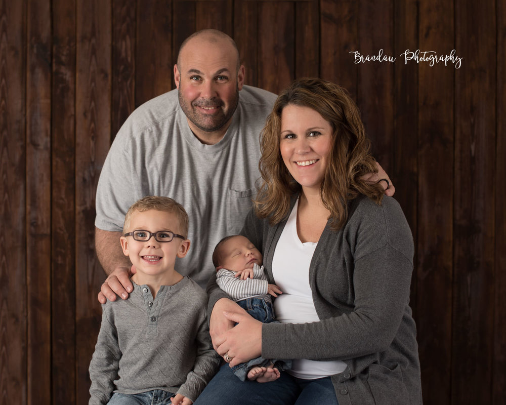 Family with newborn_Brandau Photography.jpg