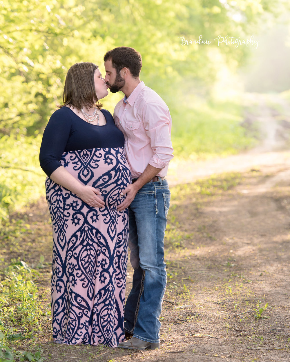 Baby Bump_Couple Kissing_Maternity_Brandau Photography-3.jpg
