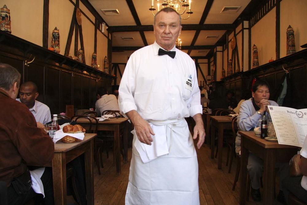 jj-waiter-1.JPG