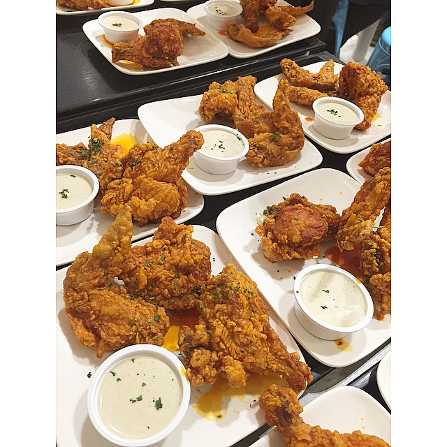 We could almost fly with all these wings from  #FrankiesNewYorkBuffaloWings !