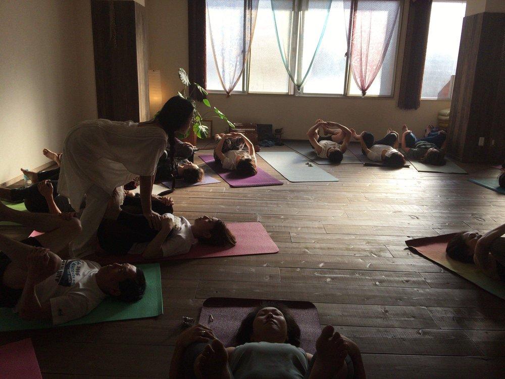 久��り�久留米�ヨガスタジオ Yoga Yolula ��ワークショップ行����