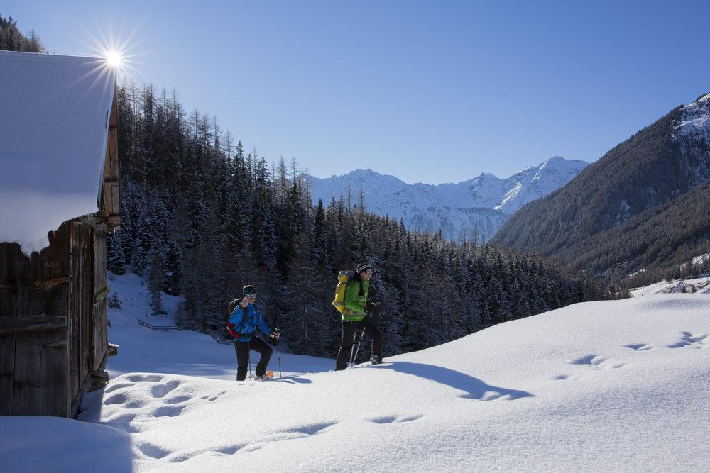 Schneeschuhwandern Niederthai.jpg