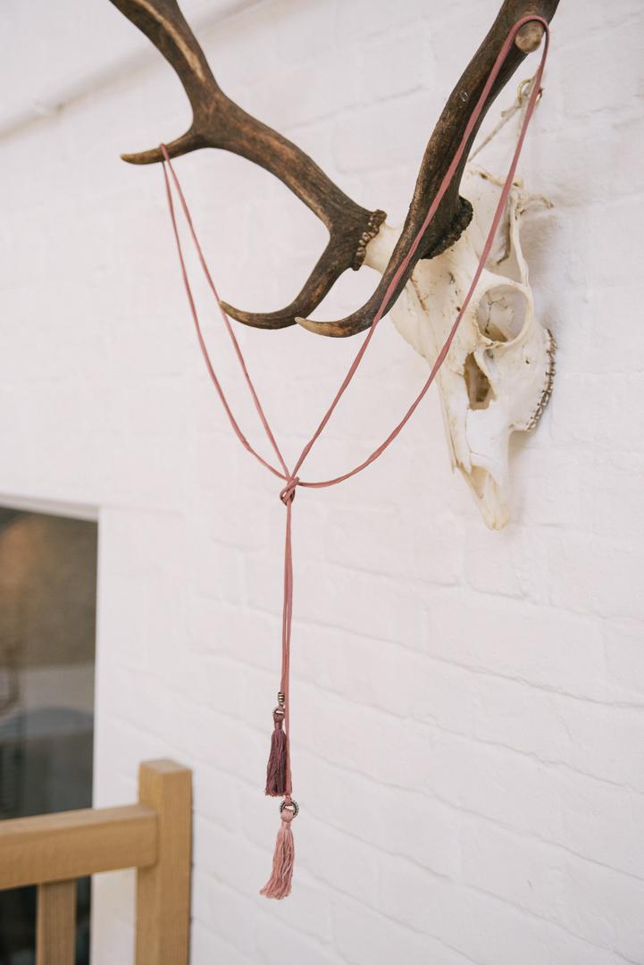 Silk lariat.- £22