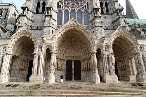 Formalism_Chartres-Cathedral-France.jpg