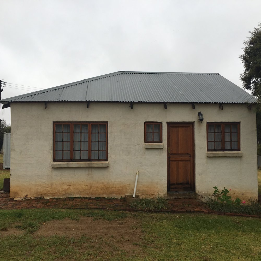 Two Bedroom Cottage and studio with kitchen, small living room and private bath room  Activities: Workshops/Presentations/Exhibitions  Number of studios: 8  Type and size of studios: Two cottages and six apartment units