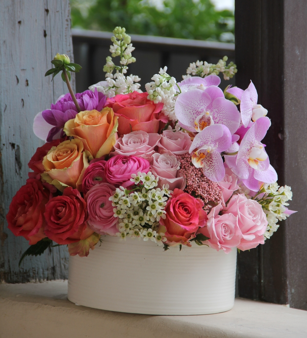 L.A. BLOOMS    EXQUISITE FLOWERS & GIFT BASKETS    Blooms  Baskets