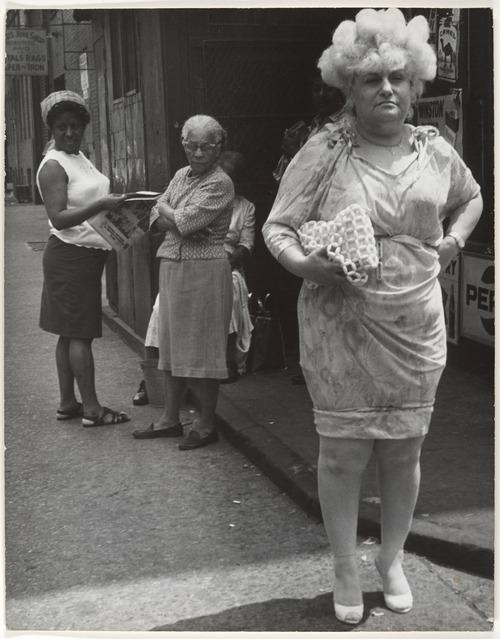 lapetitecole: ihatemusic1943: Leon Levinstein,New York City, 1960s