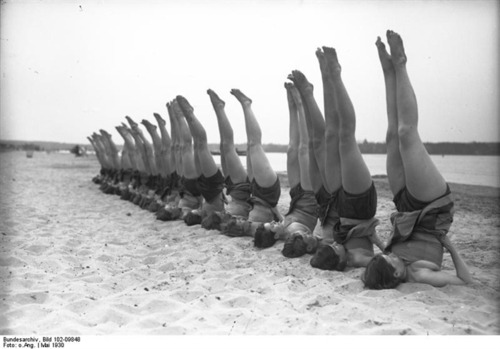 1930 Beach Shoulder Stand Party