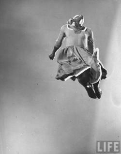 "shantology :    Pearl Primus, 1939. ""Strange Fruit"""