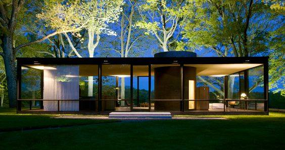 Philip Johnson Glass House 001.jpg
