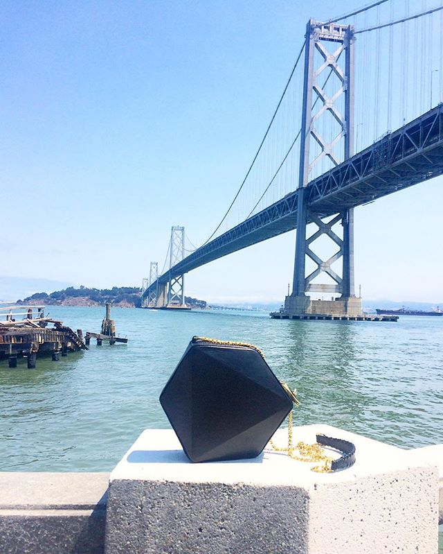 A beautiful day with just the right bag for it!  #designerhandbag #details #sanfrancisco #baybridge #gooutside #sunshine #design #structure #instagood #geometricpurse #origami #instafashion