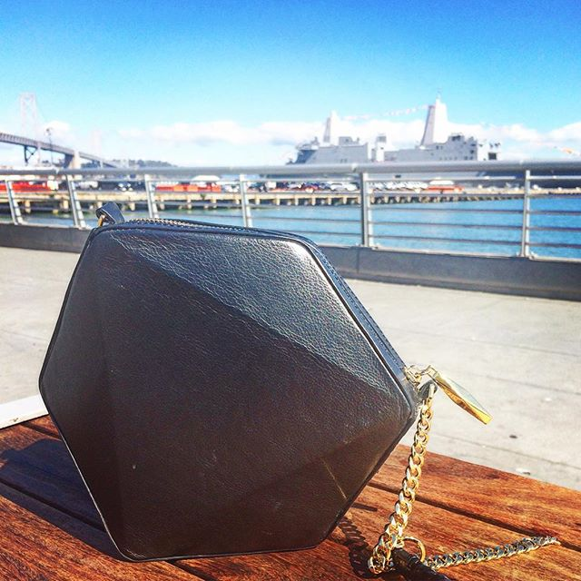 Sunshine and Fleet Week make for one happy Tri cross body bag!  #fleetweek #sunshine #sanfrancisco #sffashion #sfstyle #baybridge #handbag #designerbag #geometricpurse #origami #geometry #structure #leather #gold