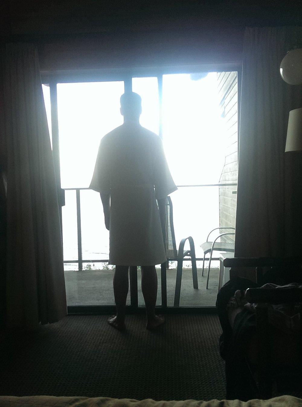 robe silhouette.jpg