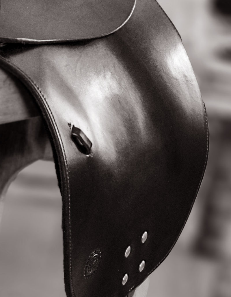 soft saddle dressage saddle detail