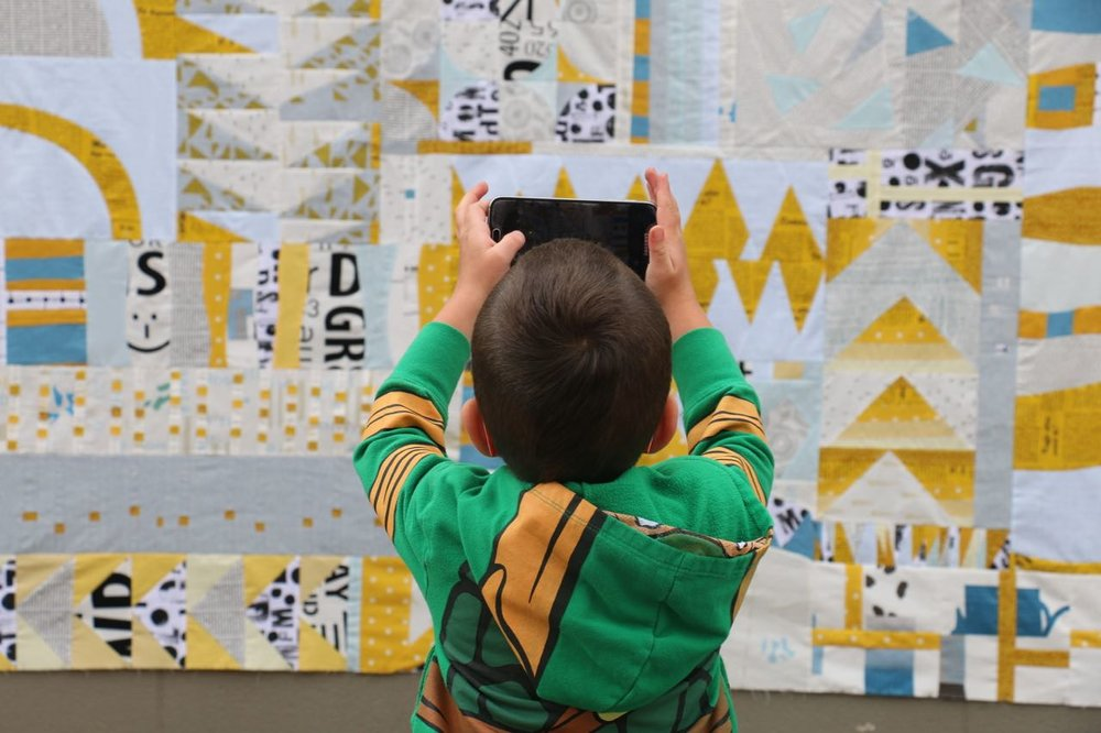 Photography with kids and an improv quilt