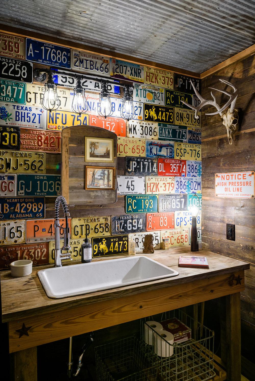 161118-JBB-Man-Cave-Bathroom-6-HDR.jpg