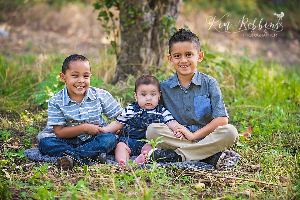 espinosa_family_2015_color_0005.jpg