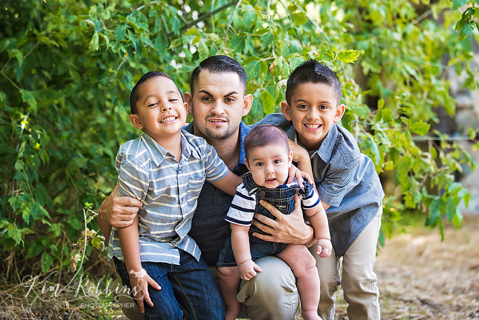 espinosa_family_2015_color_0028.jpg
