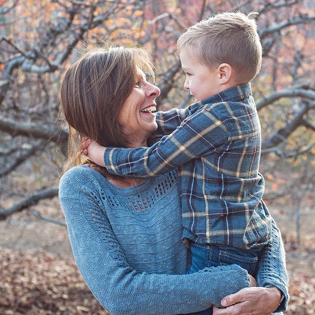 Fall pictures with Grammy! 🍁🍂 . . Fall pics still booking! Link in profile. Kimrobbins.net/booking