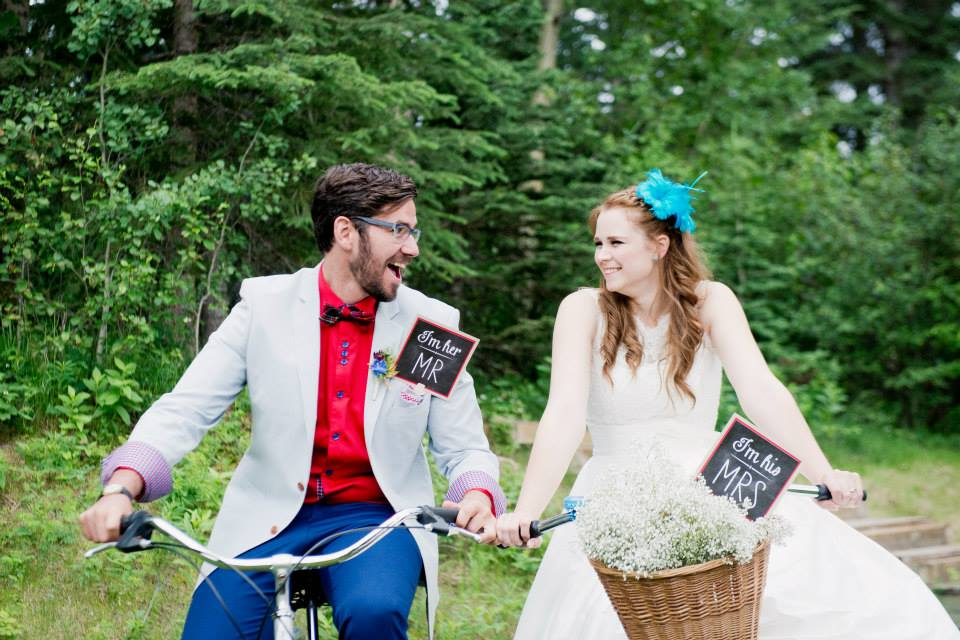 Everything-But-The-Ring-Picnic-Forest-Wedding-Bicycle-Basket-Bowtie.jpg
