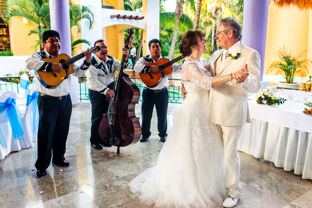Iberostar-Paraiso-Lindo-Wedding-Photography-L&R_293 copy.jpg