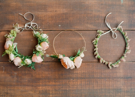 http://greenweddingshoes.com/diy-spring-flower-crown/