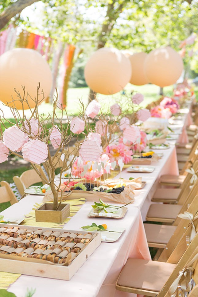 Hereu0027s What They Had To Say: Oversized Balloons + Mini Piñatas: Bring On  The Spring Vibes With An Outdoor Bridal Shower. Hang Oversized Balloons And  Mini ...