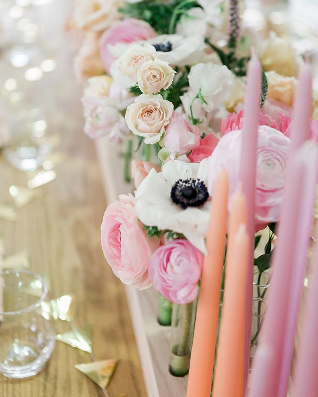 That classic flowers and candles combo. More from our #Galentines with @glitterguide @katiedeanjewelry @hedleyandbennett @irisanddaughter on Stories. 🌸🌸🌸 photo @jennaelbow