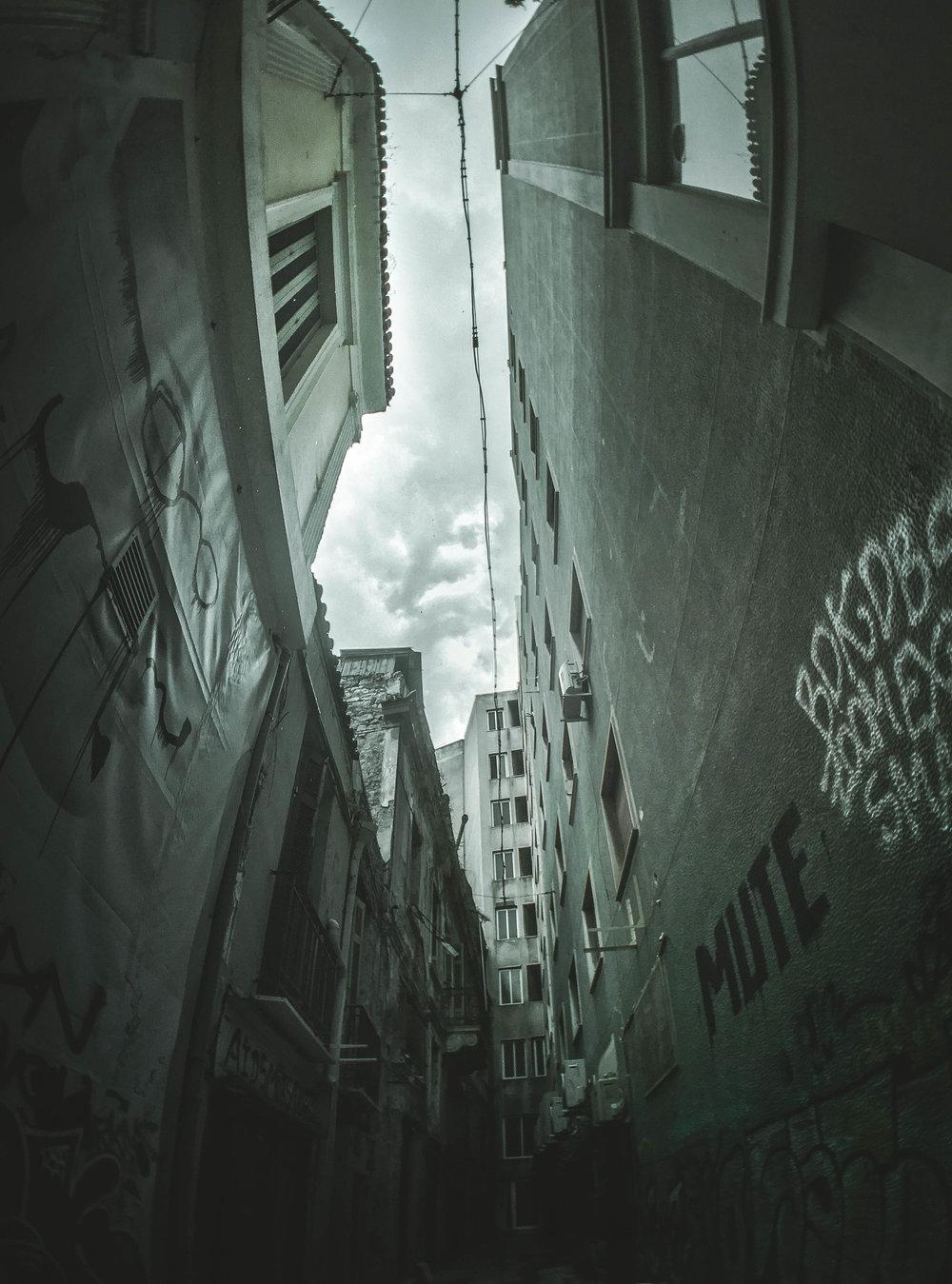 alleyway (1 of 1).jpg
