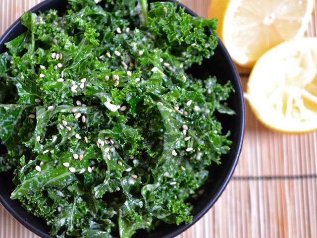 garlicky kale salad.jpg