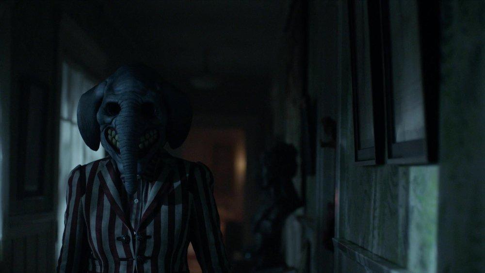 American_Horror_Story_S7E06_kissthemgoodbye_28173829.jpg