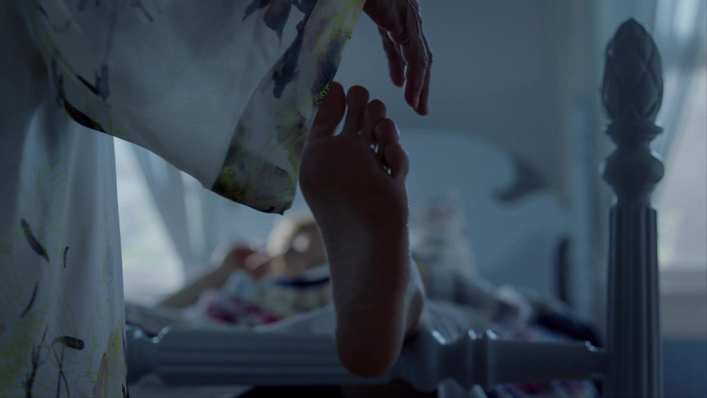 American_Horror_Story_S08E06_kissthemgooodbye_net_1590-LRCC.jpg