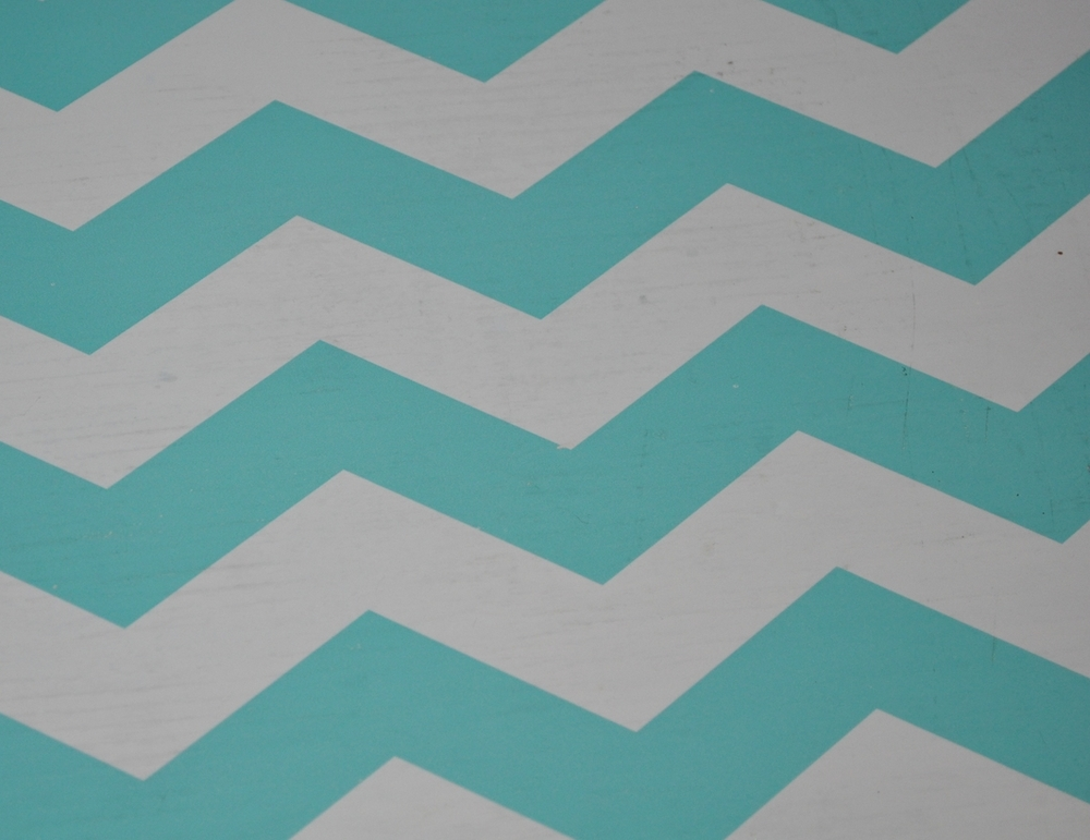 Chevron Print Shelf Liner