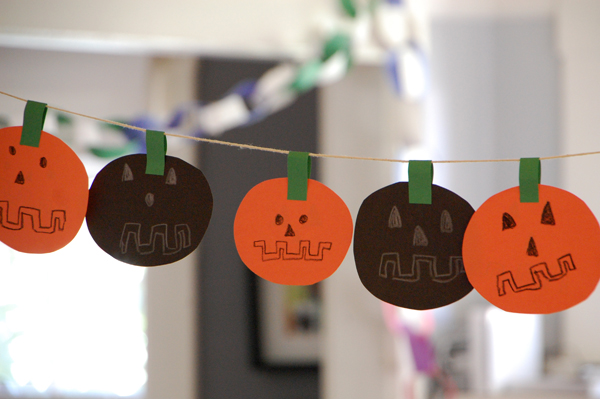 Pumpkin Garland  from Tinkerlab