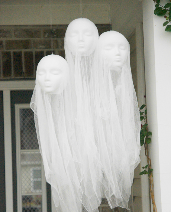 Floating Head Ghosts from   Simply Designing