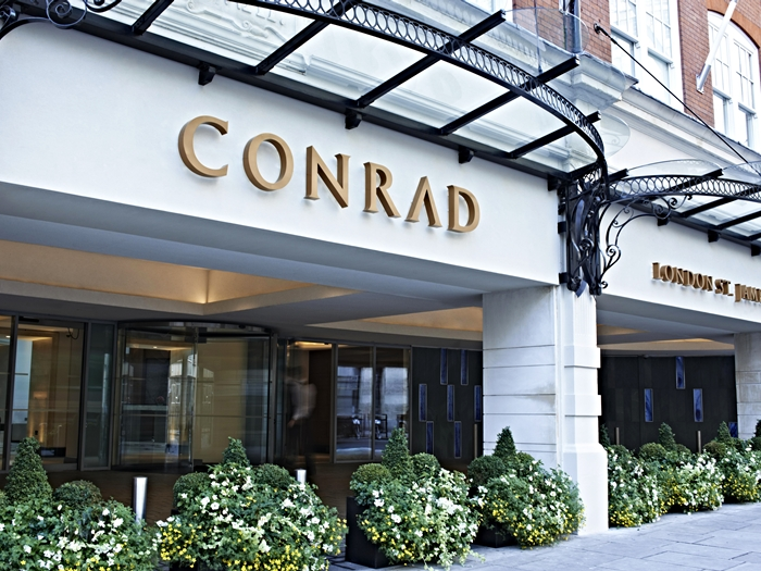 Conrad London entrance.jpg
