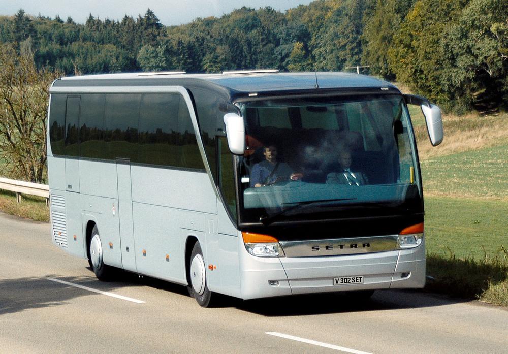 Design Triangle - Setra TopClass 400 coach - 1500px.jpg