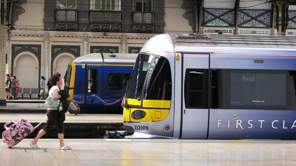 Design Triangle - Heathrow Express RBS First Class Livery - 1500px.jpg
