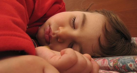560px-A_child_sleeping,_Alessandro_Zangrilli.jpg