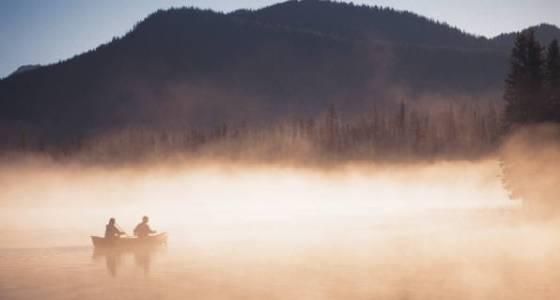 560px_rowers_in_mist.jpg