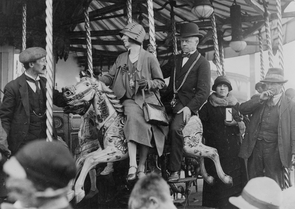 Carousel: Picture courtesy of Tyne & Wear archives, on flikr