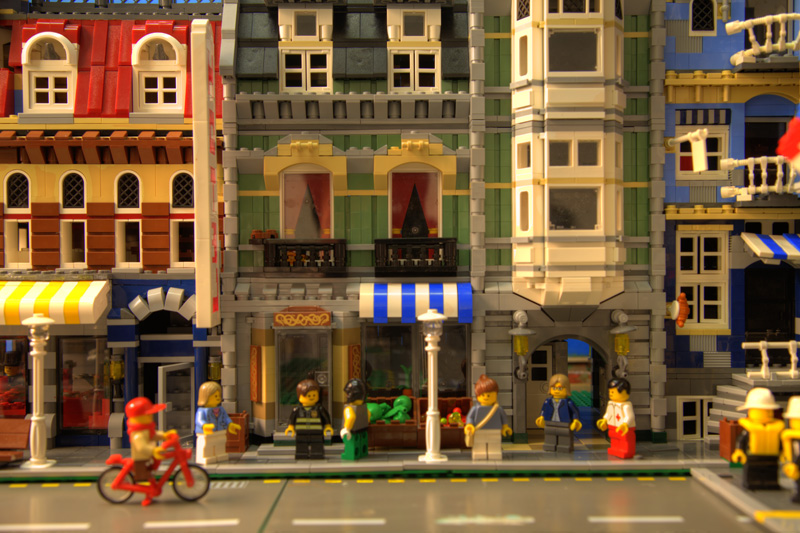 Photo: Lego city, Sonny Abesamis