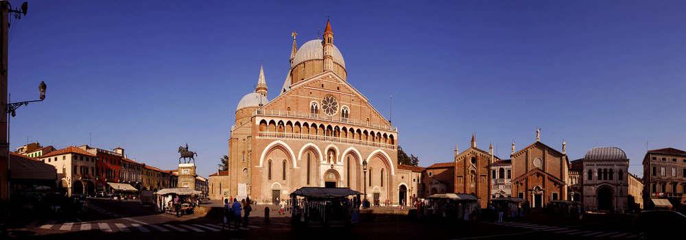 La Basilica di Sant'Antonio a Padova, foto da magicoveneto.it