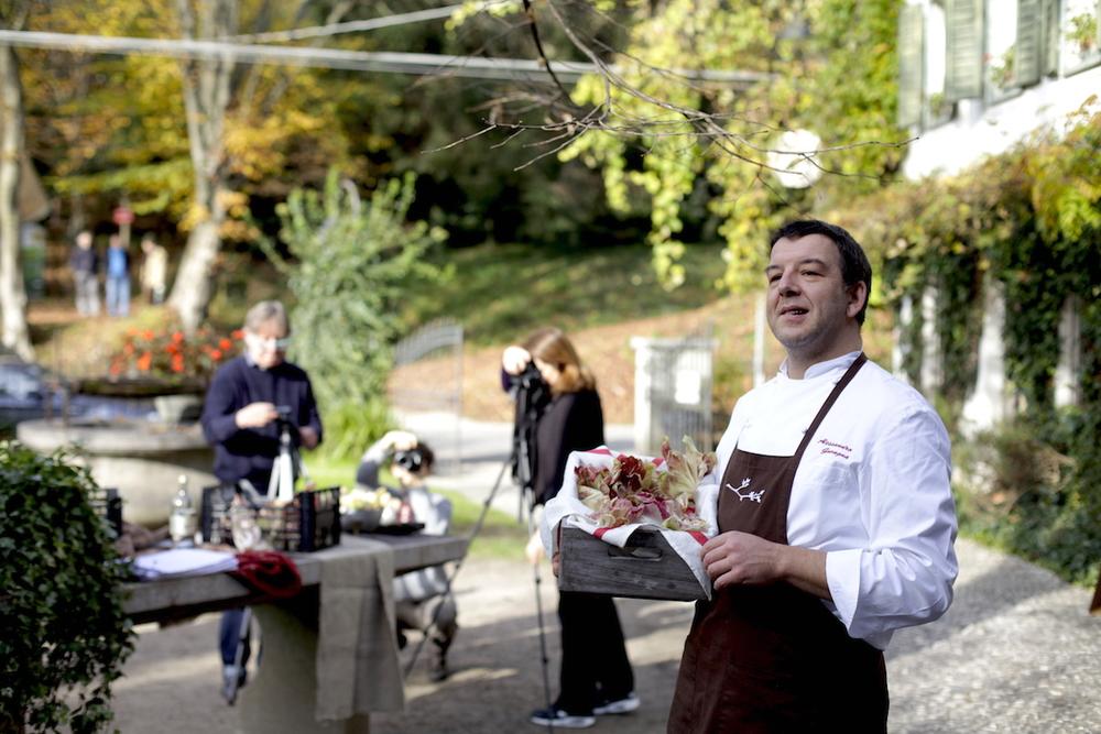 Alessandro Gavagna, lo Chef, con la Rosa di Gorizia.