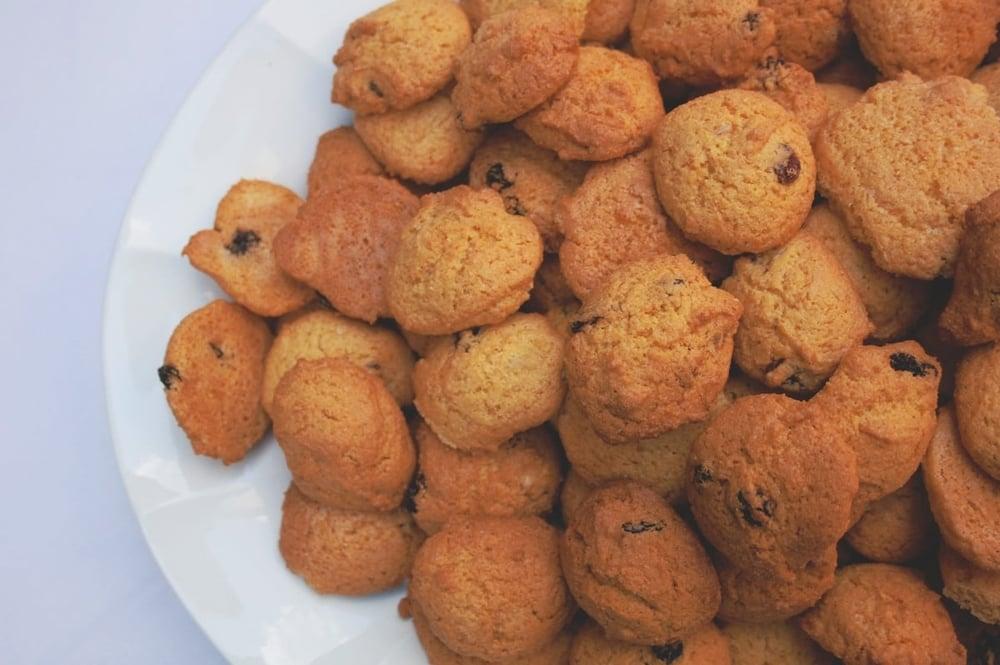 Con un latte caldo   Biscotti a colazione    Guarda le camere
