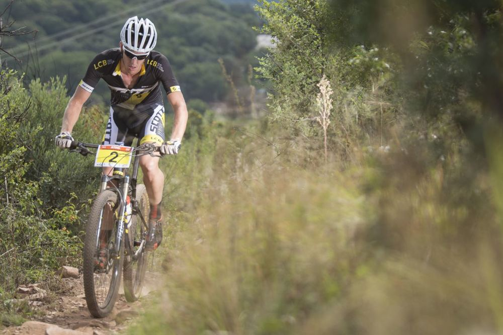 Matthys Beukes (Scott Factory Racing powered by LCB) claimed the victory in a close tussle at the 2015 Stihl SA MTB Cup XCO, which took place at Voortrekker Monument, Gauteng, on Saturday 28 March © Andrew Mc Fadden