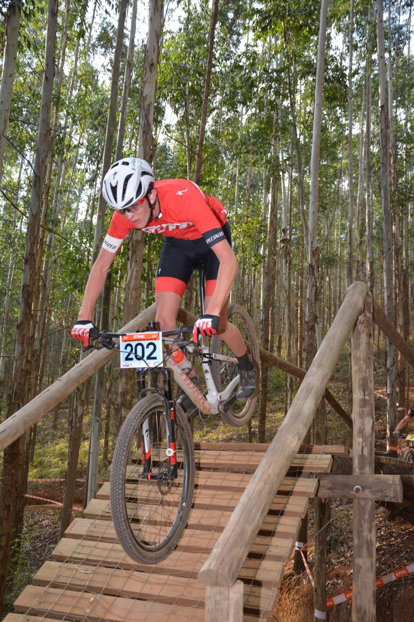 Juilian Jessop (Specialized Concept Cyclery) fought hard to take the Junior Men's victory at the 2015 Stihl SA MTB Cup XCO at Cascades, Pietermaritzburg, on 27 June. Photo: Gavin Ryan/Quick Pix