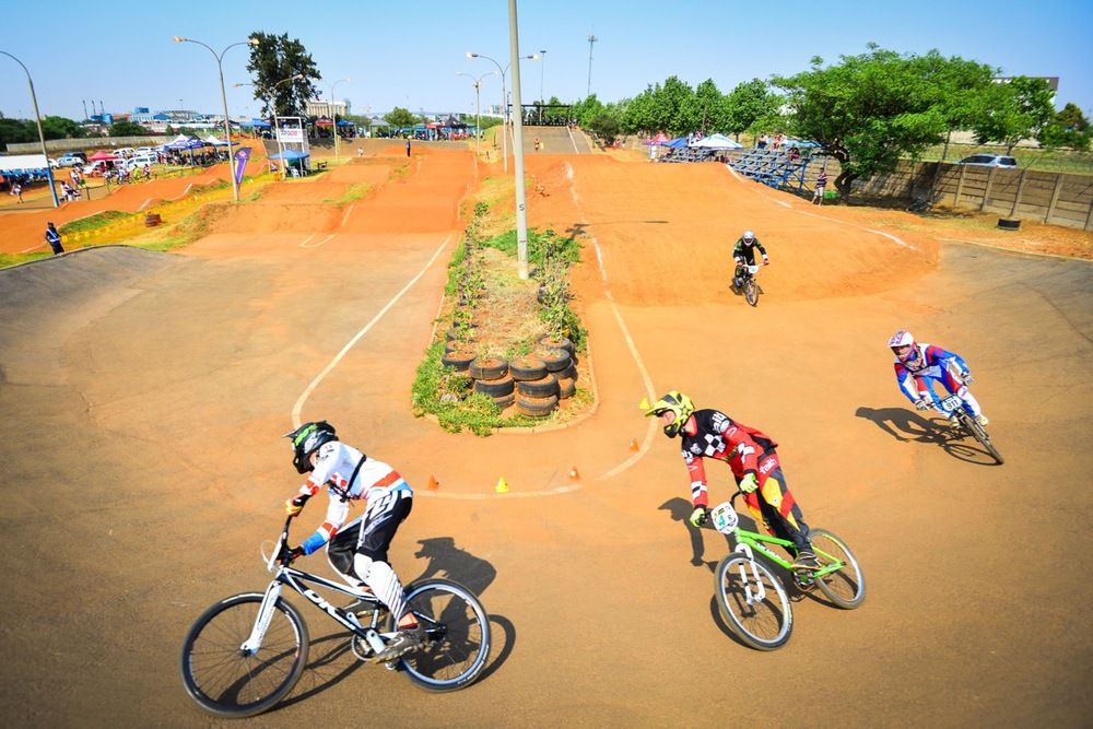 It was frenetic racing aplenty amongst the Cruiser Men's competitors at the South African National BMX Championships at Alrode BMX Club, Alberton © Darren Goddard