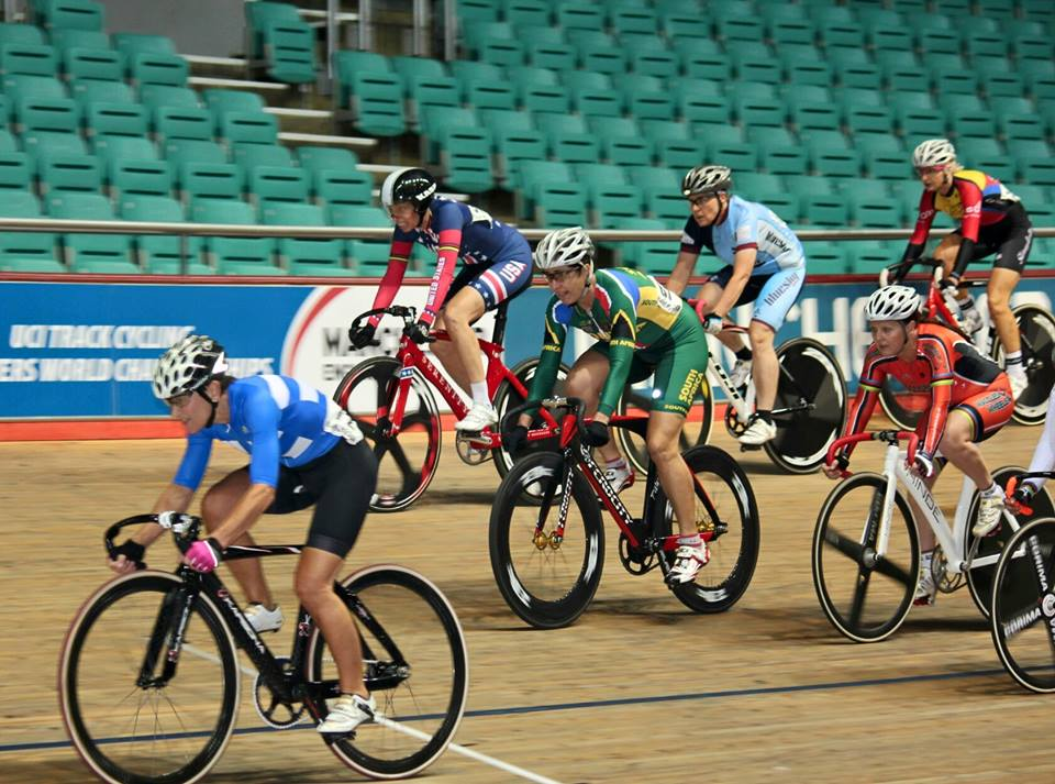 Ilna Lemmer races to claim her second Bronze medal, in the Women's Scratch Race 60+, at the 2015 UCI Masters Track Cycling Championships in Manchester from 3-10 October. Photo: CSA Track - General Information (Facebook Group)